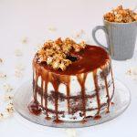 Naked ChiffonCake al Cacao con crema di Jogurt , Mousse al Cioccolato e Popcorn al Caramello Salato