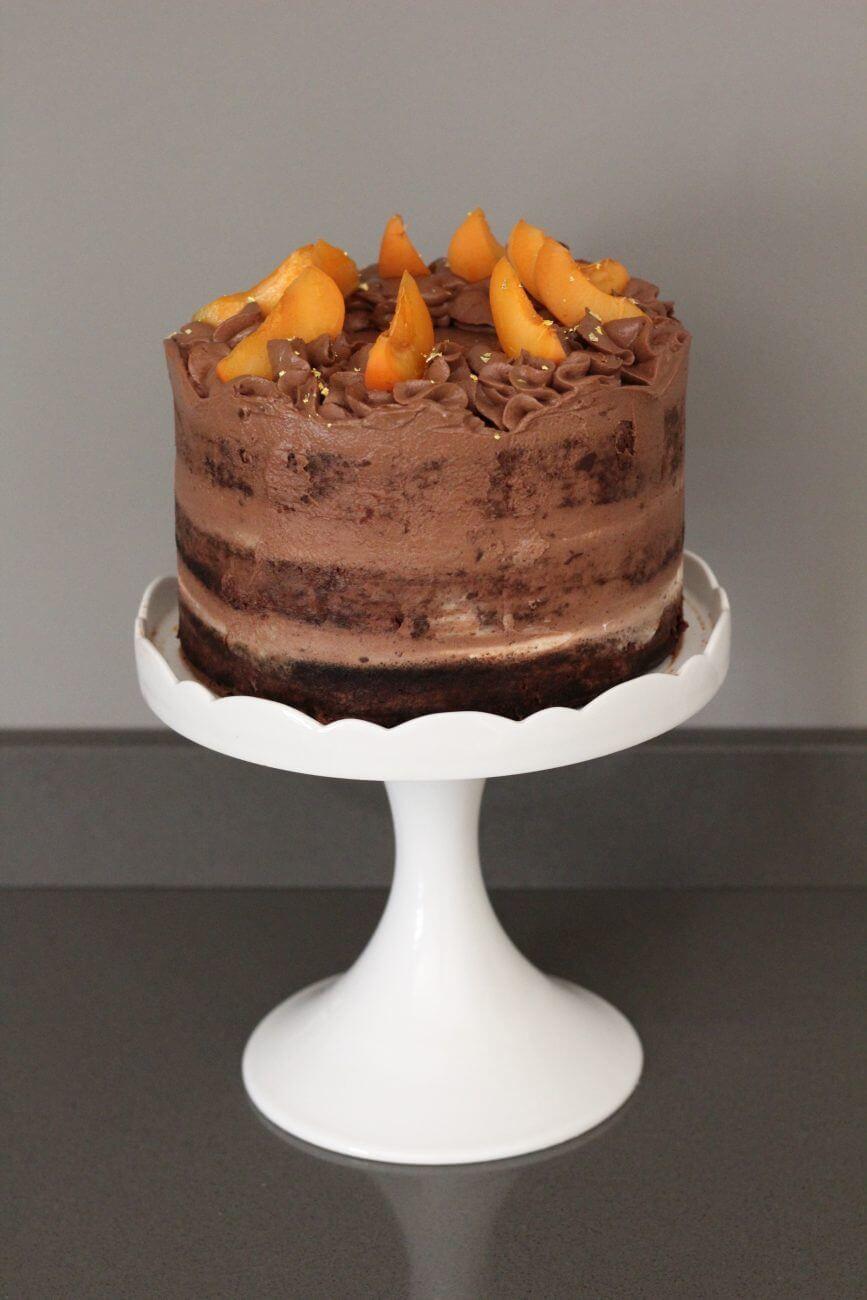 Naked cake al Baileys, cioccolato e albicocche