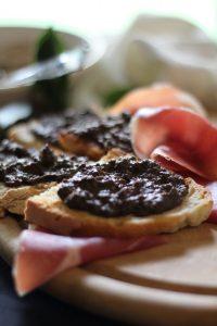 Crostino fegatini, vin santo e cacao 2