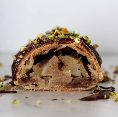 Strudel pere cioccolato e pistacchi con pasta matta 1